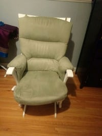white leather padded glider chair Vancouver, V5W 3M1