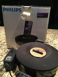 Philips docking speaker for iPhone5 and iPod touch Scottsdale, 85258