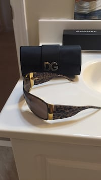 Black and brown frame d&g sunglasses Chicago, 60606