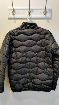 Men's Peak Performance Black Down Helium Jacket S Vancouver