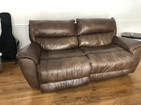 brown leather sofa for two places, for $ 100 I can make delivery Fairfax, 22031
