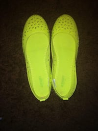 Size8 neon old navy flats Calgary, T3G 1P3