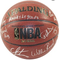Basketball signed by all the knicks legends  Brentwood, 11717