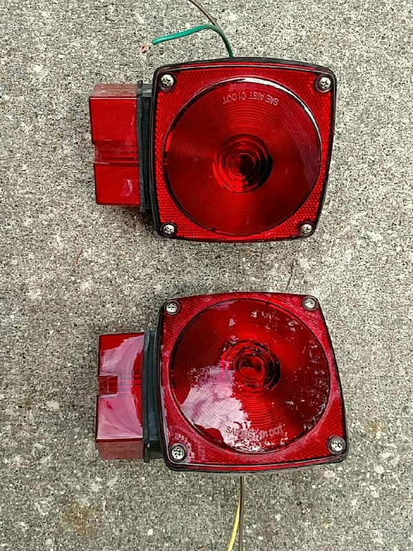 two trailer tailights