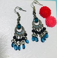 Pair of blue-and-black dangling earrings Vancouver, V5X 3R4