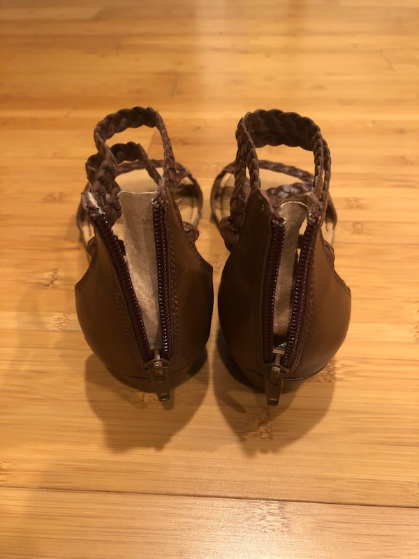 B.O.C . Womens Sandals Size 6.5-7 Strappy Braided Leather Look Shoes 96bf1835-a82b-4bf8-8bd8-519fbe0f6393