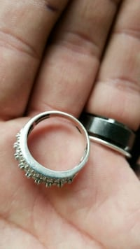 14k solid white gold with diamonds Sechelt, V0N 3A6