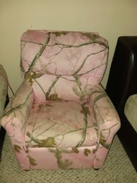Toddler real tree pink recliner  Falling Waters, 25419