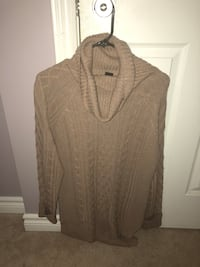Beige knit sweater Ottawa, K4A 0J3