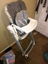 baby's white and gray high chair El Paso, 79936