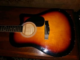 Huntington Guitar acoustic works just fine not really any problems