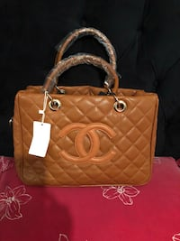 quilted brown Chanel leather handbag Manassas Park, 20111