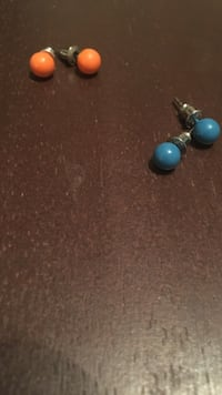 two pairs of blue and orange stud earrings Shepherdstown, 25443