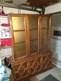 Armoire, 60 inches high, 48 inches wide, 16 inches deep Montréal, H1Z 3S8