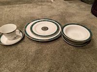 Wedge wood dishes 6 piece place setting 4 100.00 or best offer