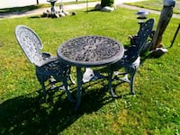 Antique looking yard table & chairs North East, 16428