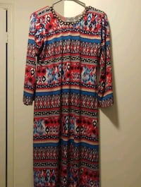 red, blue, and white long-sleeved dress 597 km