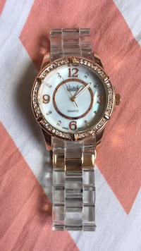 round silver-colored analog watch with link bracelet St Catharines, L2R