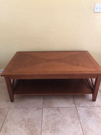 Lift top coffee table and end table Saint Petersburg, 33710