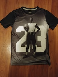 black and gray Michael Jordan graphic portrait crew-neck t-shirt