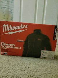 XL brand new milwaukee Heated jacket 4 km