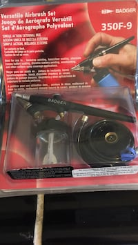 BADGER: VERSATILE AIRBRUSH SET  BRAND NEW GREAT FOR THAT CRAFTY PERSON IN THE FAMILY 2260 mi