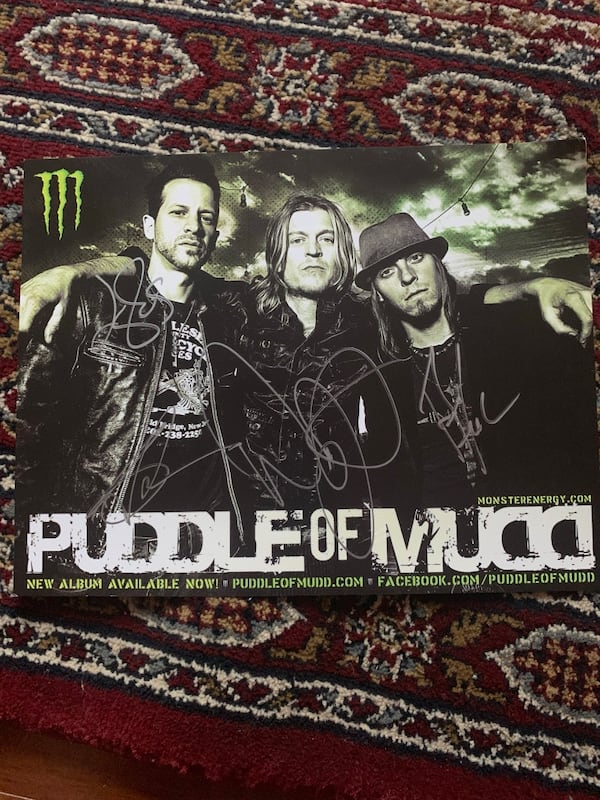Puddle of Mudd signed Items  1ae34cae-6603-4205-9cb6-2cac0d108cc9