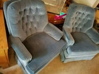 1 rocking chair and swivels. West Fargo, 58078
