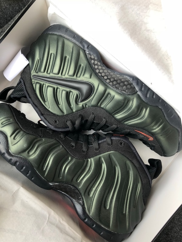 c8eeb54031d Used nike foamposite 1 size 9 New in box for sale in New York - letgo