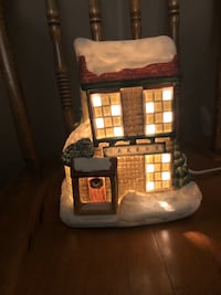 CHRISTMAS VILLAGE LIGHT UP HOUSES SET IF 6 North Dumfries, N0B