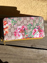 white, red, and green floral wristlet Albuquerque, 87120