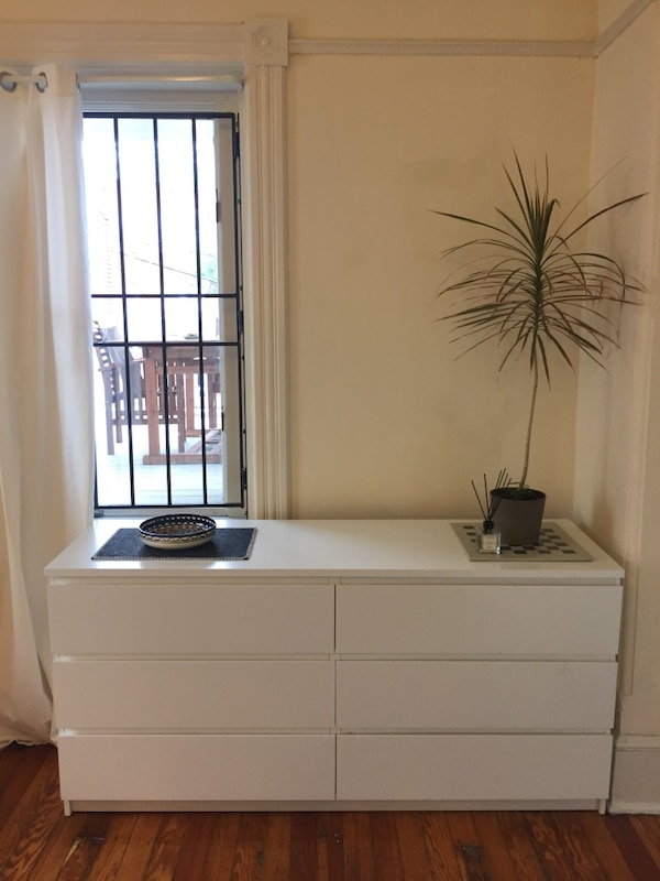 White wooden 6-drawer chest