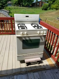 White and black gas range oven Temple Hills, 20748