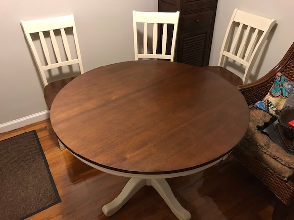 Used Dining Set Table And All Four Matching Chairs Excellent Brand New Condition Not A Single Scratch 230 For Sale In Hackensack