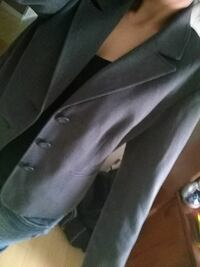 gray button-up suit jacket