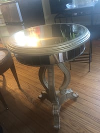 round brown wooden side table Arlington, 22204