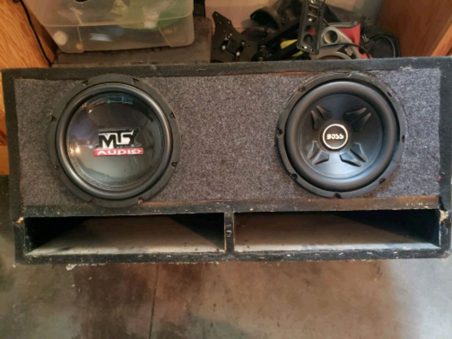 Photo 2-10 Mtx Audio 1100 Watt Subs 1-10 Boss 800 Watt Sub