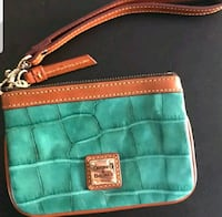 Dooney & Bourke Green Leather Wristlet Rockville, 20850