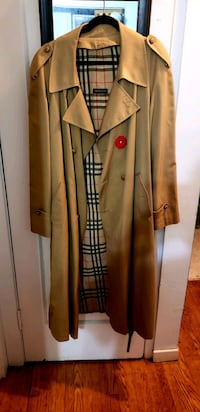 Holt Renfrew Trench coat  Toronto, M6G