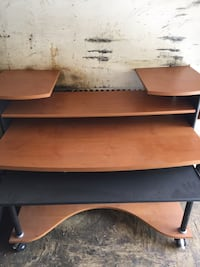 brown and black wooden computer desk Mont-Tremblant, J8E