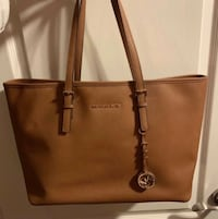 Perfect Condition Michael Kors Tote  Newmarket, L3Y 6G6