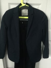 Zara navy suit for boys size 8-9 fits small 10 Laval, H7W 0C8