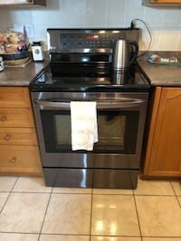 black induction range oven and microwave oven Caledon, L7C 1E2