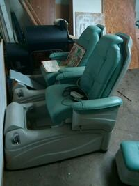Massage foot spa with seat