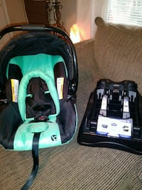 Babytrend carseat and base (brand new)  Villa Rica, 30180