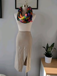 Shop from a stylists closet - gently used items Toronto, M8V