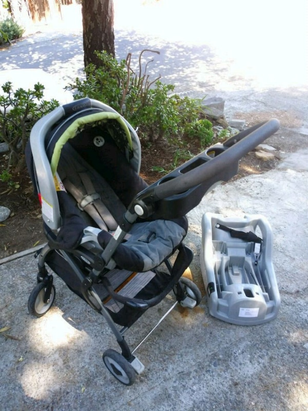 Graco SnugRide 30 CAR SEAT AND STROLLER SYSTEM