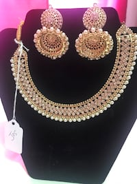 Necklace set brand new