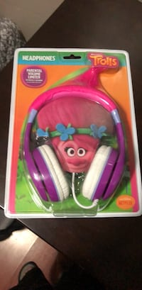 Trolls Poppy Kid Friendly Headphones with Built in Volume Limiting Feature for Kid Friendly Safe Listening Chicago, 60647