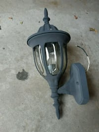 3 outdoor light fixtures Kitchener, N2H 3E7